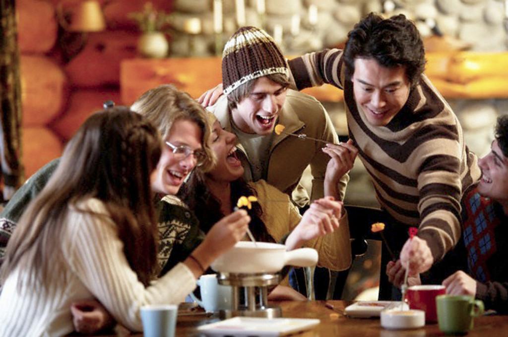 pessoas-comendo-no-inverno